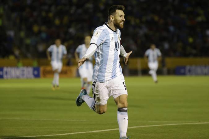Un Fenomenal Messi Clasifica A Argentina A Rusia 2018 Magazine Latino Noticias Para Latinos En Canada